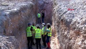 Hendek kazan deprem uzmanları Kırkağaç fay hattının röntgenini çekiyor