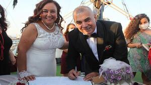 Gençliklerinde evlenemeyen çift 29 yıl sonra evet dedi