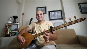 'Otizmli müzik dehası'na Bakan Selçuk'tan destek