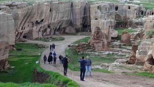 Dara Antik Kenti Nerede Dara Antik Kenti Hakkında Bilgi, Tarihi, Efsanesi, Giriş Ücreti Ve Ziyaret Saatleri (2020)