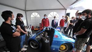 TÜBİTAK Başkanı, Robotaksi Binek Otonom Araç Yarışmasını izledi