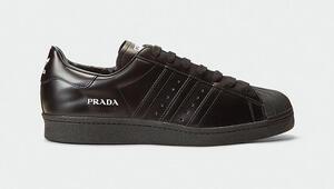 Ayağımdaki kundura Adidas'la Prada