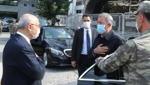 Bakan Akar, İzmir Valiliğini ziyaret etti