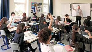 İtalyada 5,6 milyon öğrenci yarın ders başı yapacak