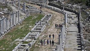 Perge Antik Kenti Nerede Perge Antik Kenti Hakkında Bilgi, Tarihi, Efsanesi, Giriş Ücreti Ve Ziyaret Saatleri (2020)
