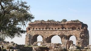 Tralleis Antik Kenti Nerede Tralleis Antik Kenti Hakkında Bilgi, Tarihi, Efsanesi, Giriş Ücreti Ve Ziyaret Saatleri (2020)