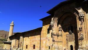 Divriği Ulu Camii Nerede Divriği Ulu Camisi Tarihi, Özellikleri, Hikayesi Ve Mimarı Hakkında Bilgi