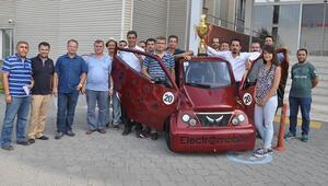 Öğrencilerin geliştirdiği elektrikli otomobile Teknofestten ödül