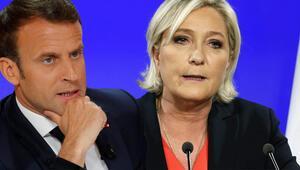 Irkçı liderden Macron'a destek