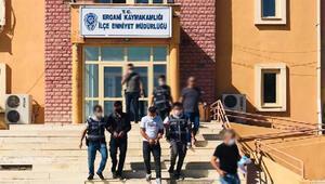 Erganide hırsızlık şüphelisi 2 kişi tutuklandı