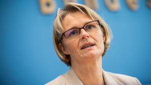 Eğitim Bakanı Karliczek: 'Mart ayının ortalarından önce...'