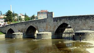 770 yıllık Selçuklu eseri köprüde restorasyon çalışması