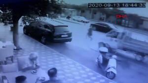 Yolun karşısına geçmek isterken araba çarptı