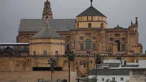 Kurtuba Camii Nerede Kurtuba Camisi Tarihi, Özellikleri, Hikayesi Ve Mimarı Hakkında Bilgi