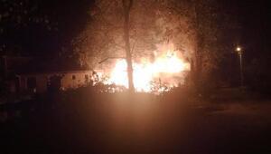 Hendek'te odunlukta çıkan yangın panik yarattı