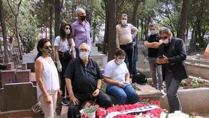 Tarık Akan ölümünün dördüncü yılında mezarı başında anıldı