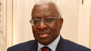 Eski IAAF Başkanı Lamine Diacka yolsuzluktan hapis cezası