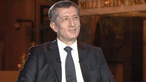 Milli Eğitim Bakanı Selçuk'tan canlı yayında çok önemli sınav duyurusu