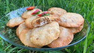 İsimleri farklı olsa da lezzeti aynı: Pirinçli bademli börek