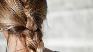 Saçınızı Fön Makinesi Olmadan Kurutmanın Püf Noktası
