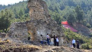 Sultan II. Murat'ın inşa ettirdiği, Kanuni Sultan Süleyman'ın namaz kıldığı camii