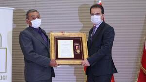 Şehit ailesi ve gazilere Devlet Övünç Madalyası ve Beratı verildi