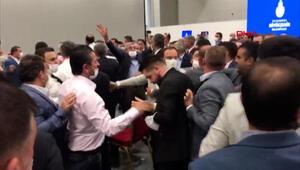İBB Meclistoplantısında kavga