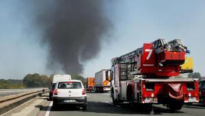 Benzin yüklü tanker otomobile çarptı