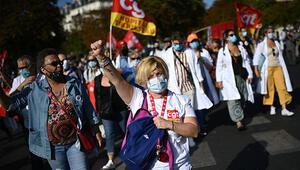 Fransada Macrona ve hükümete büyük tepki Sen istemesen de biz buradayız