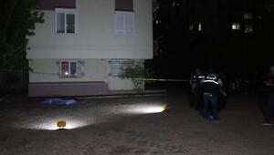 Eşiyle tartıştıktan sonra 5'inci kattan atlayan kadın öldü
