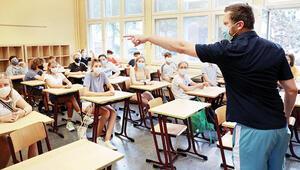 New Yorkta koronavirüs nedeniyle okulların açılması yine ertelendi