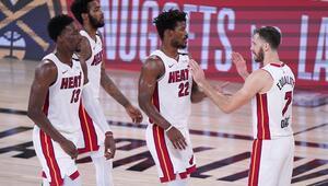 NBAde Gecenin Sonuçları | Heat, Celticsi ikinci yarıda çözdü Seride 2-0 öne geçti...