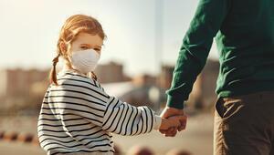 Aileler çocuklarının Covid-19 tedbirlerine uyması için örnek olmalı