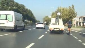 Pendikte bisikletle tehlikeli yolculuk kamerada