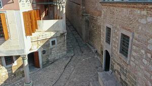 Topkapı Sarayının kapalı bölümlerinden At Rampası ziyarete açıldı
