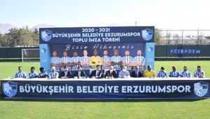 Erzurumspor 9 yeni transferini tanıttı