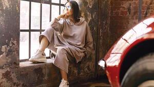 Ben de kendimi stil ikonu olarak görüyorum ama her zaman iyi giyinmeliyim diye bir algım yok