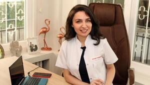 """Dr. Ezgi Karavelioğlu, """"Dudak vitamini ile çatlamalara son"""""""