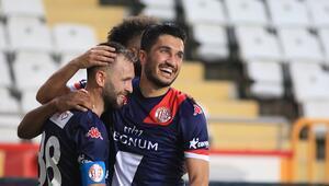 Beşiktaş-Antalyaspor maçı direkten döndü 15 pozitif olsaydı iptal edilecekti