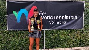 Genç tenisçi Leyla Elmastan Tiranda çifte kupa