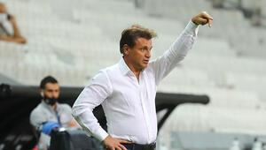 Antalyaspor Teknik Direktörü Tamer Tuna: Yenilmezlik serisine devam ettiğimiz için mutluyum