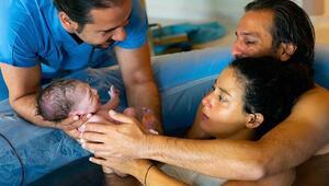 Erkan bebeği görünce ağladı Marsel suda doğmuş