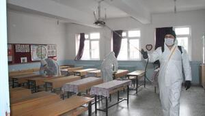 İlçedeki okullar dezenfekte edildi