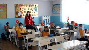 Son dakika... Yüz yüze eğitim, anasınıfı ve ilkokul 1inci sınıflarda başladı
