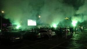 Araçlarda Misli.com keyfi Kocaelispor maçı canlı yayınlandı...