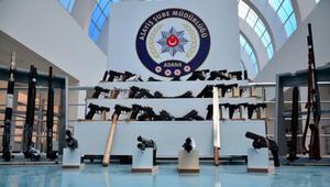 Adanada aranan 183 kişi yakalandı, çok sayıda silah ele geçirildi