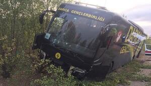 Son dakika | Darıca Gençlerbirliği'nin otobüsü kaza yaptı 5 personel...