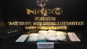 Antalyaya uyuşturucu madde sokmak isteyen 3 kişi, kovalamacayla yakalandı