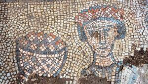 Mardinde 1624 yıllık kiliseye ait mozaikler gün yüzüne çıkarılıyor