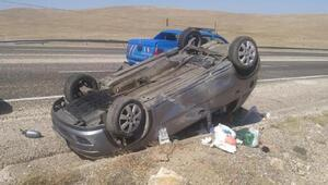 Güründe devrilen otomobilin sürücüsü yaralandı